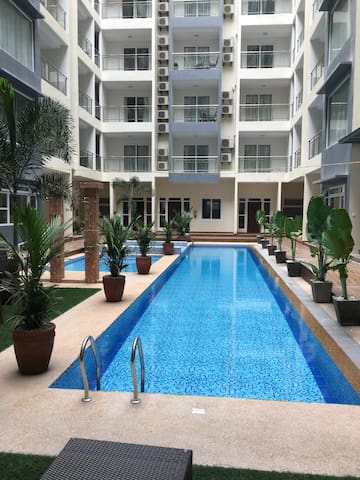 BRAND NEW POOL SIDE APARTMENT (LaGrande Residence)