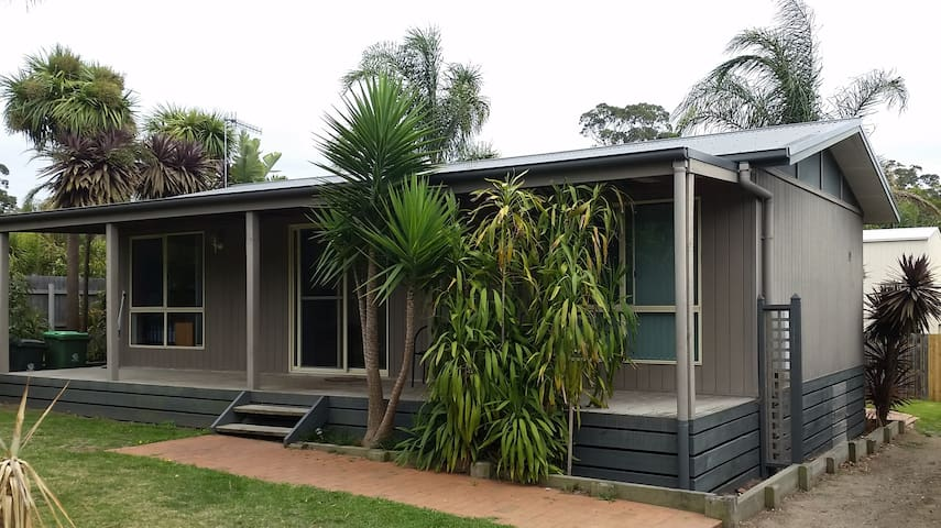 Beach Haven - Mallacoota: Coastal Getaway for all - Mallacoota - Hus