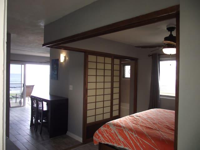 The Makaha Shores Executive Suite **$65 Special!** - Waiʻanae - Apto. en complejo residencial