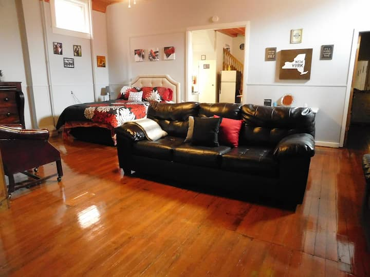 Music Themed Bethel Bungalow of Finger Lakes Area