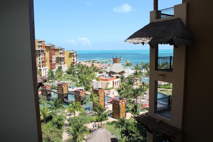 Relax and Enjoy Villa Del Palmar Resort & Spa