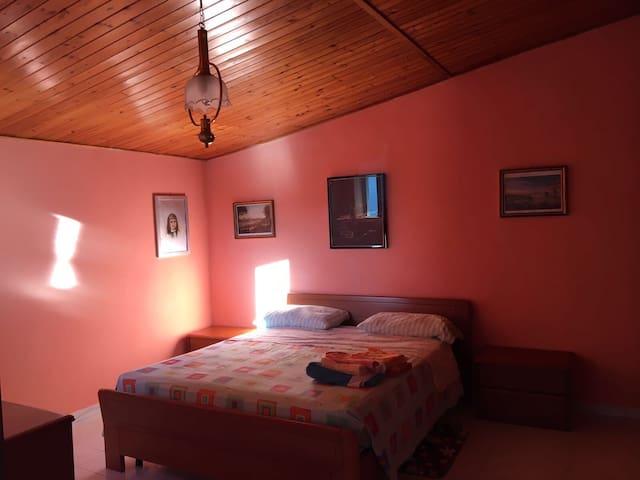 Room/Letti×4/6 CILENTO Piano Vetrale SA Murales