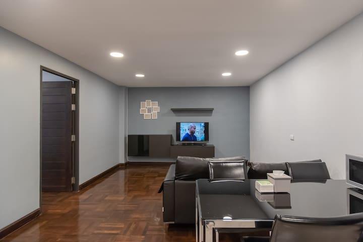 Living Room: no windows
