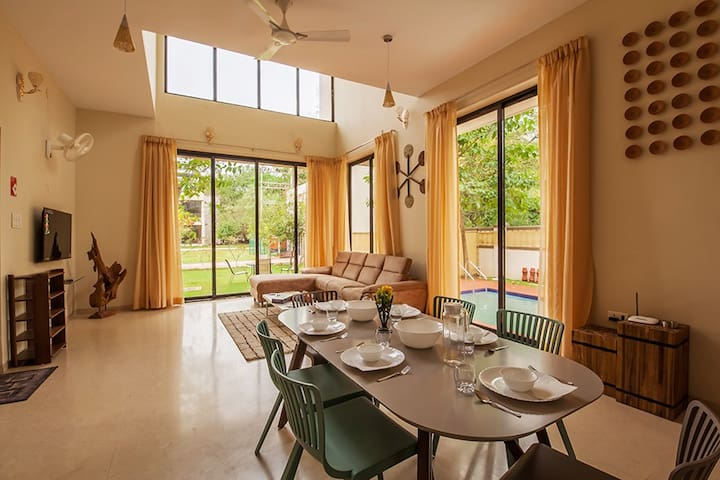 Greenwoods 1, 5BHK Luxury Pvt Pool Villa