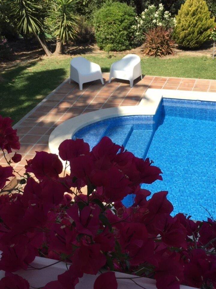 Villa with private heated pool and garden