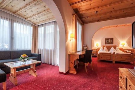 Waldhotel National ein Paradies auch für Familien - Arosa