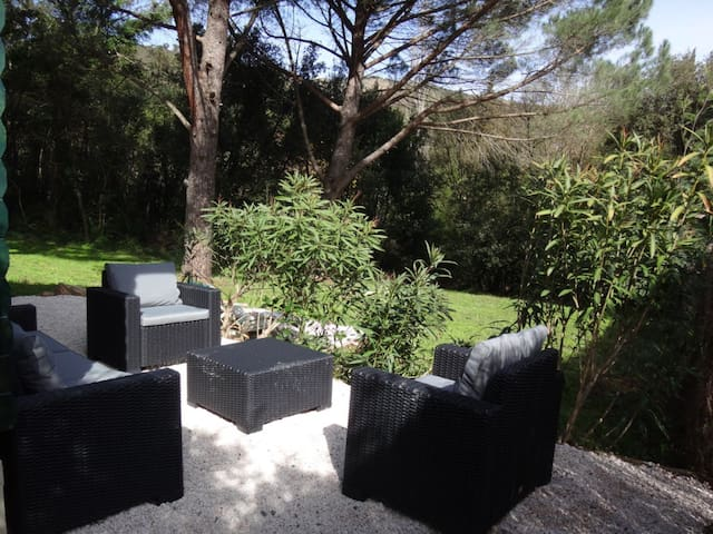 Chalet cosy en pleine nature - Grimaud - Dağ Evi