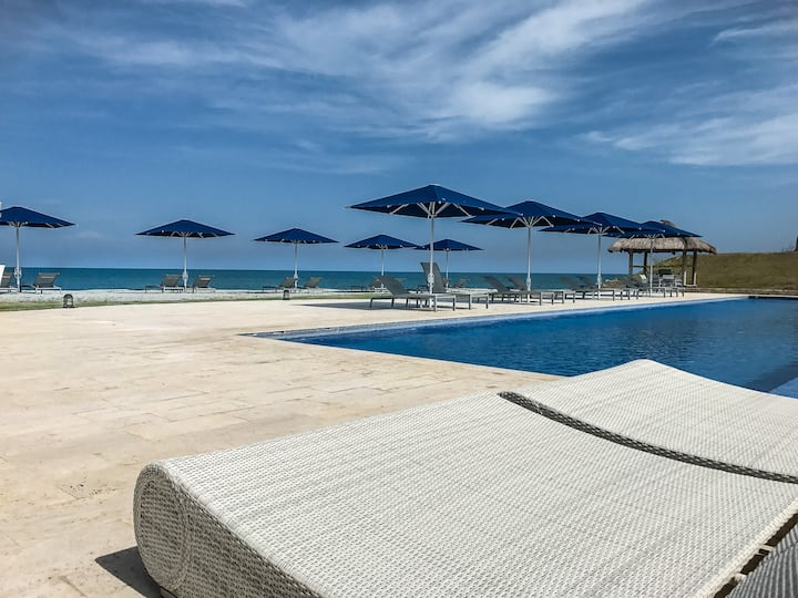 Beautiful 4 Bedroom Beach & Golf Apartment Casamar