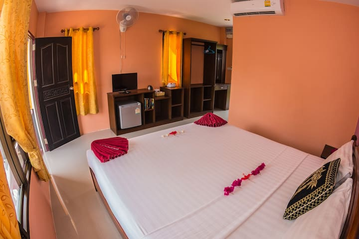 Cozy Double Bed Room with A/C in Koh Lanta
