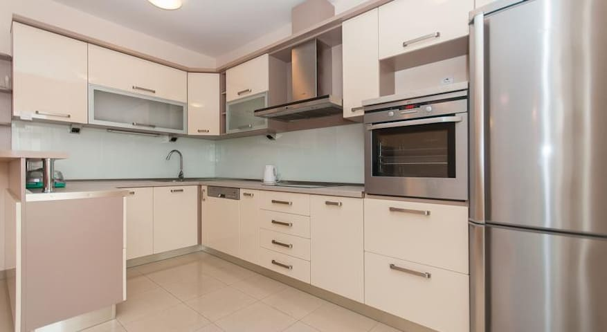 Enjoy preparing your favorite meals in this fully equipped kitchen