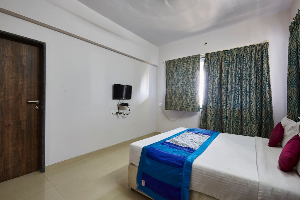 Room 2 - double bed
