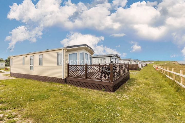 Full seaview stunning caravan for hire at Broadland sands holiday park ref 20286