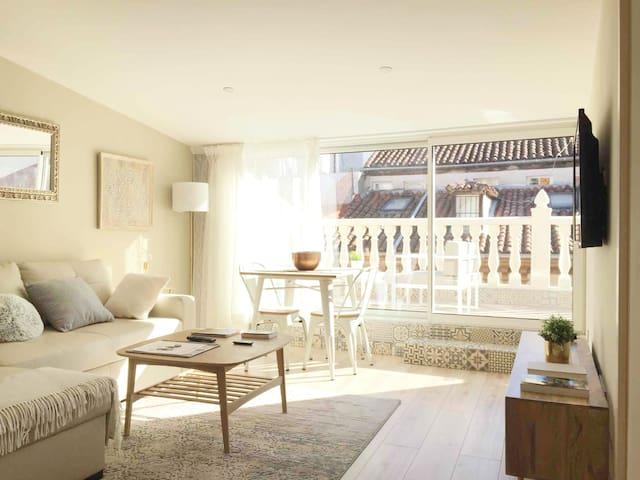 Sala de estar y terraza