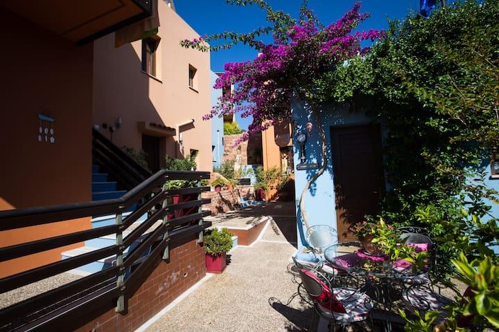 AnnaDes Family Apartment, Karfas, Chios