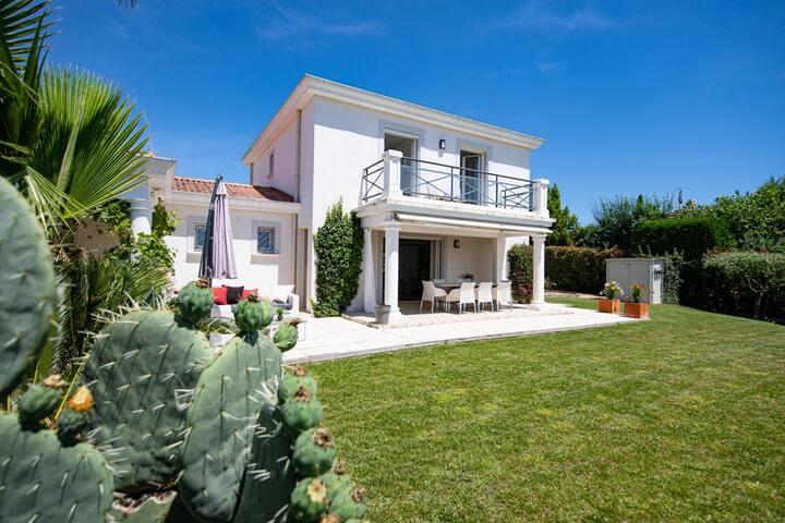 Belle villa moderne au calme absolu avec jardin