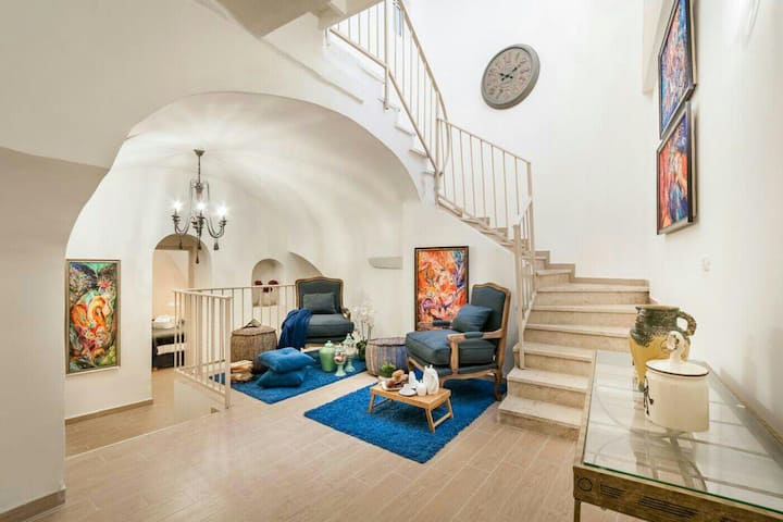 Private House 5 BDR In Mamilla  up to 11 People !