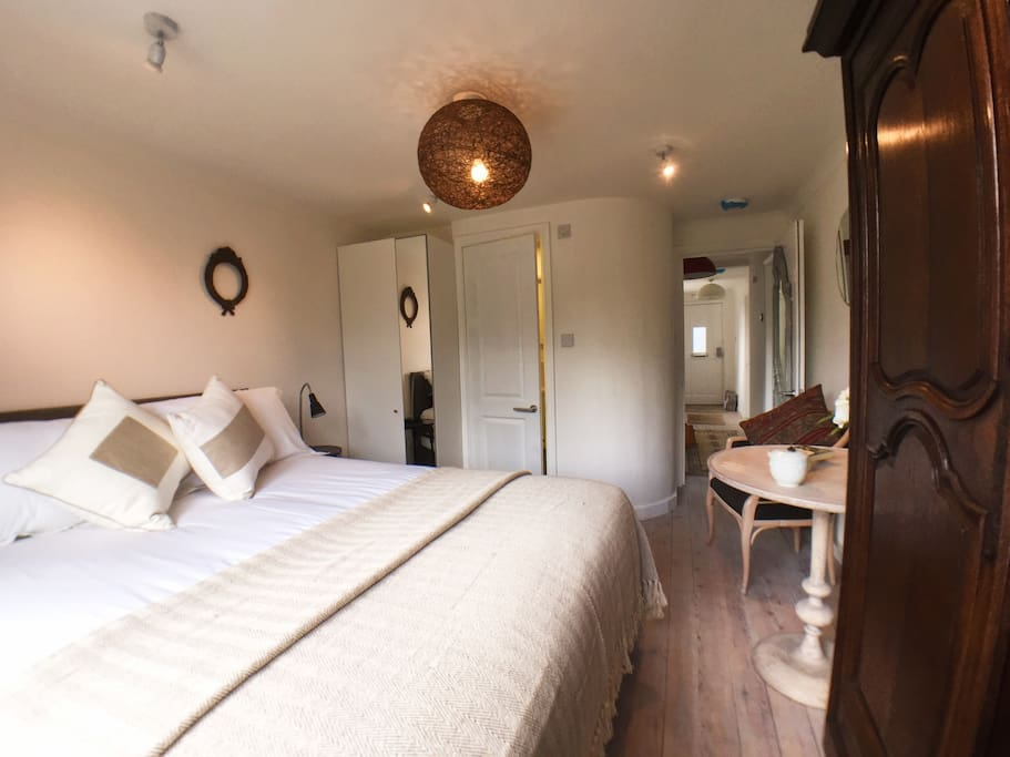 Gorgeous room with it's own ensuite shower room and kitchenette.