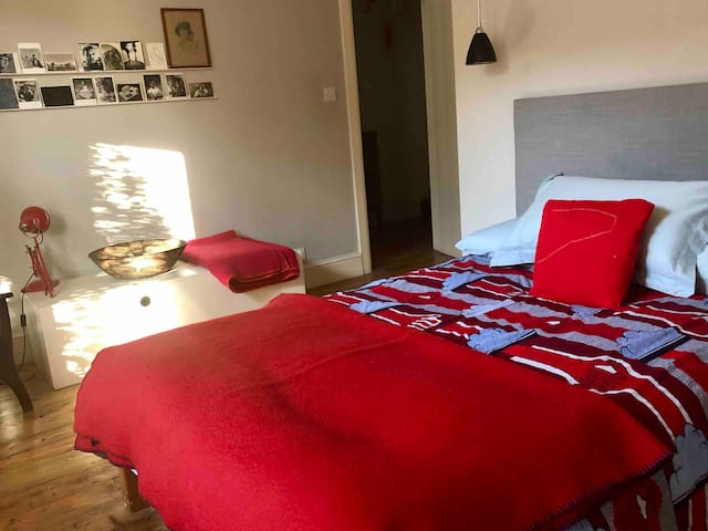Large room in Hackney with private bathroom