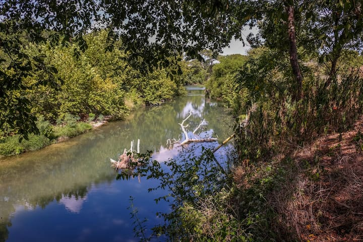 RV sites located on Guadalupe River