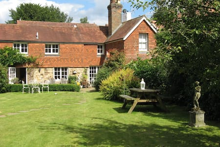 Cottage Double bedroom - 15mins from Gatwick - Horsham - 独立屋