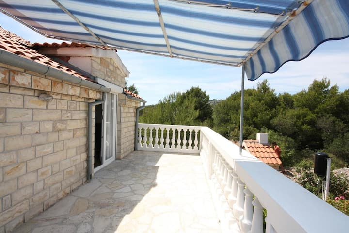 One bedroom apartment with terrace Jezera, Murter (A-5082-a)