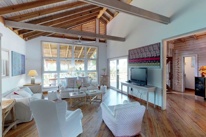 Gorgeous home w/ ocean views, private pool & easy beach access!
