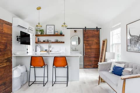Historical Tiny Home with Patio
