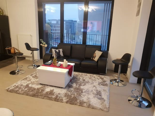 Appartement modern en résidence entier