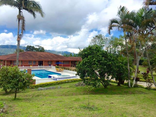 Villa/Casa Campestre EL OASIS