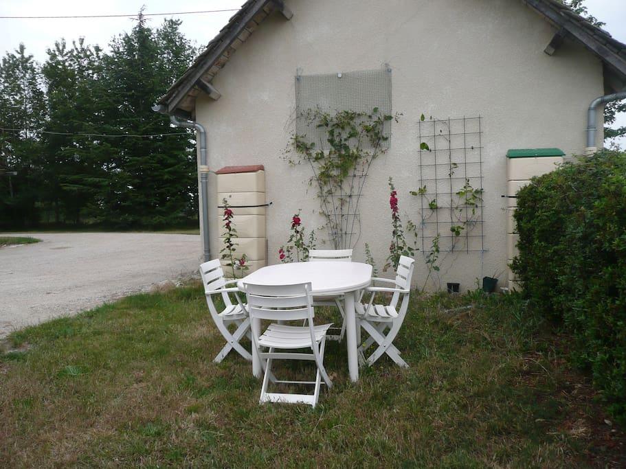 mobilier de jardin à disposition
