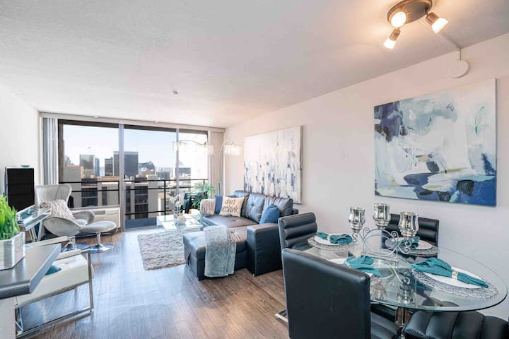 Upscale⭐️Condo⭐️In The Heart of San Diego ❤️With View