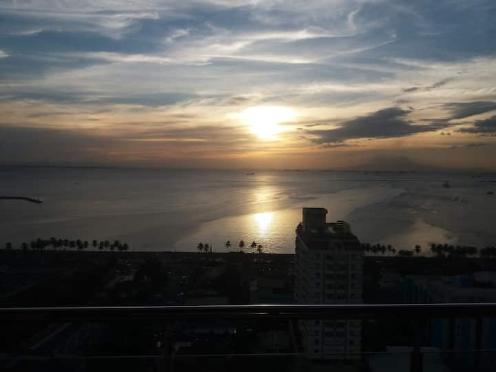 Bay view in Malate Bayview Mansion 25