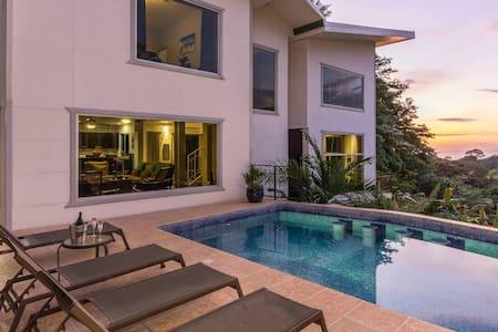 Casa Del Sol Deep Discounts on Weekly Stays