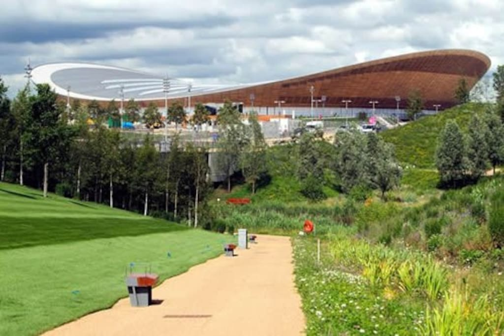 The Aquatic Centre of the Olympic Park, at 20 Min from Homer House.