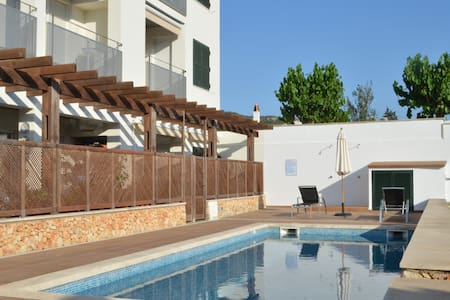 Bonito apartamento con piscina comunitaria - Es Mercadal - Kondominium