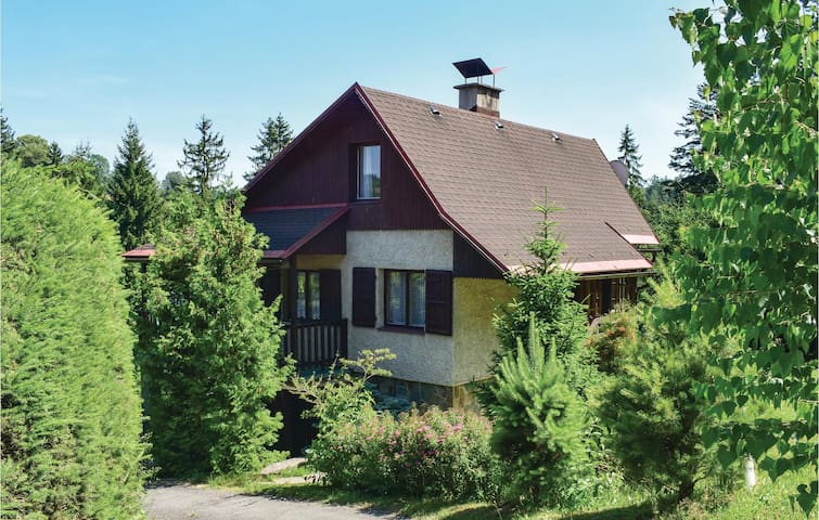 Holiday cottage with 3 bedrooms on 80m² in Klasterec nad Orlici