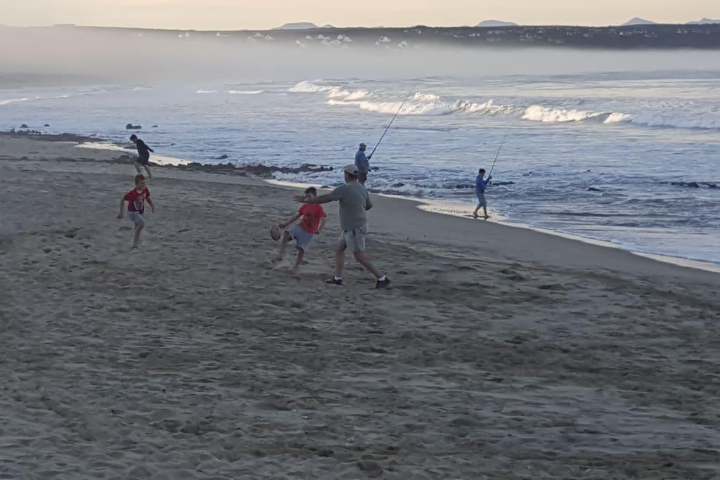 Visvang en groot sandstrand