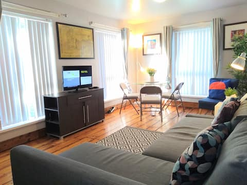 Perfect Central Location/Parking/Private Entrance