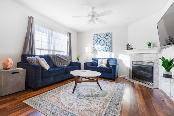 Beautiful Boho Condo in Johnson City, TN King Bed