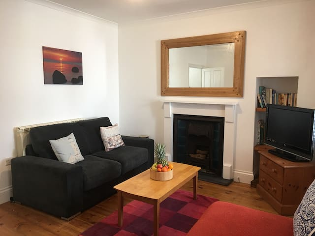 Small apartment in central St Ives.