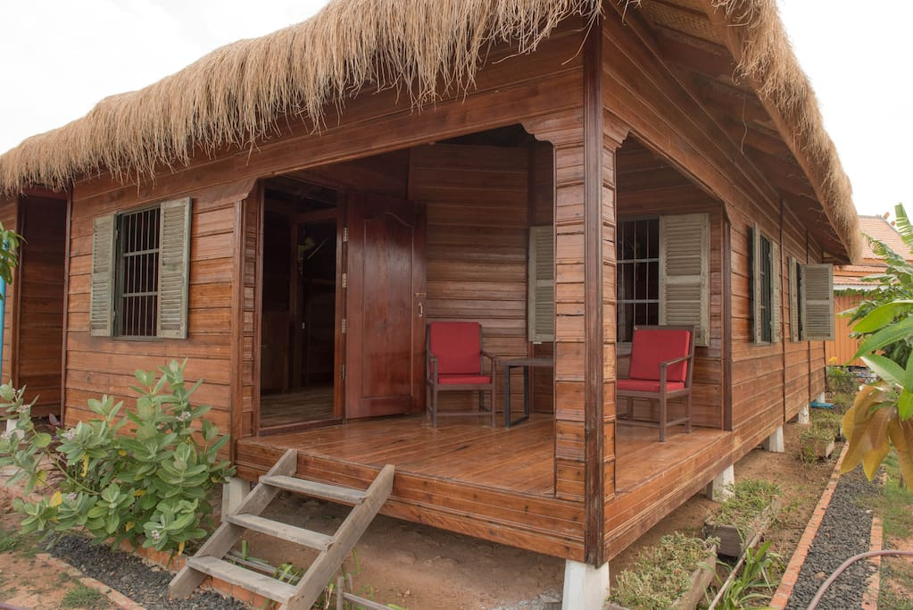 Maison de la Yeille. Terrasse vue sur rizière.