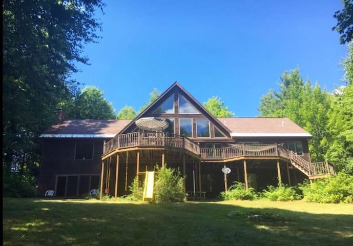 Serene chalet, DT Saratoga [4miles], ADK friendly