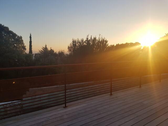 Villa avec terrasse et piscine
