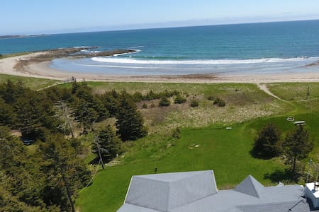 Amazing Home right on the Beach - Musquodoboit Harbour - House