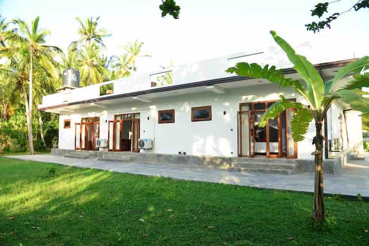 Villa Exclusive - private room in a villa 2