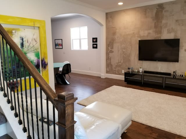 Spacious new modern home west nashville houses for rent for New modern homes nashville tn