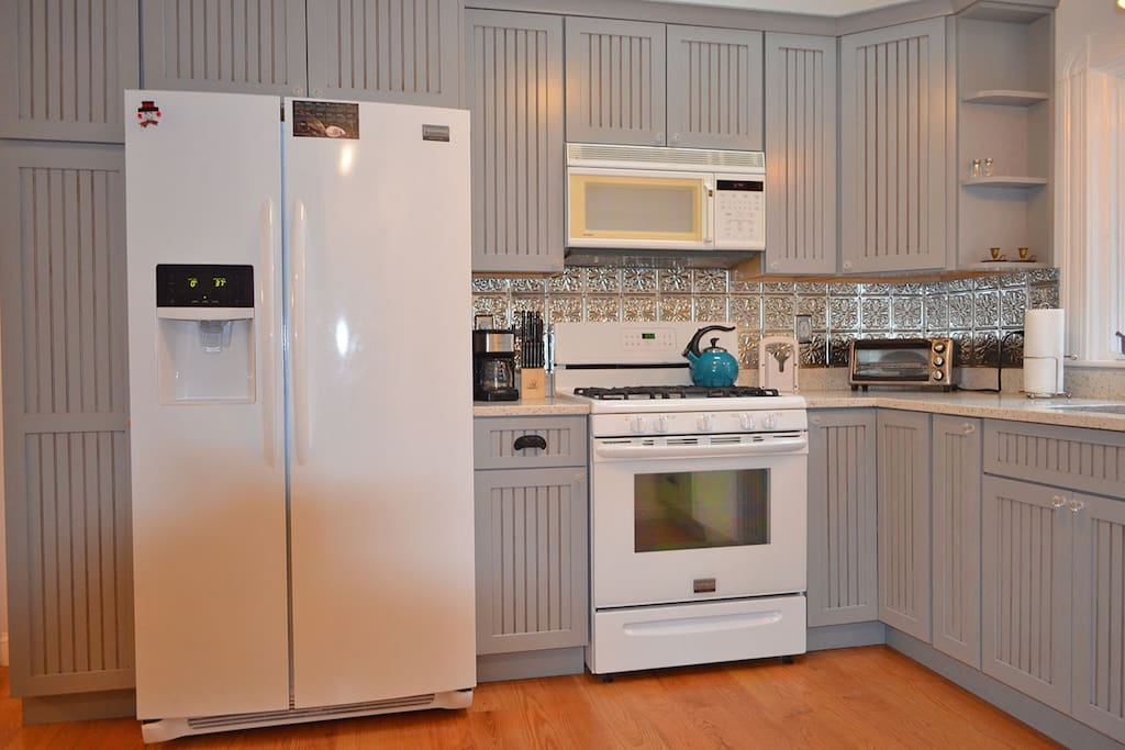 Boulevard Bungalow-Newly renovated kitchen.
