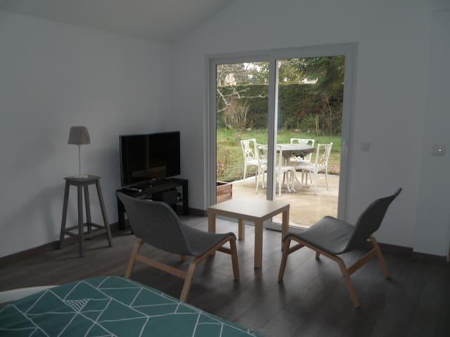 Charmant logement avec jardin proche Fontainebleau