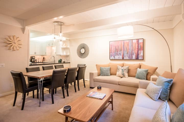Newly Renovated Condo with Access to Sun Valley Resort Pool  | 2 Bedroom, 3 Bathroom