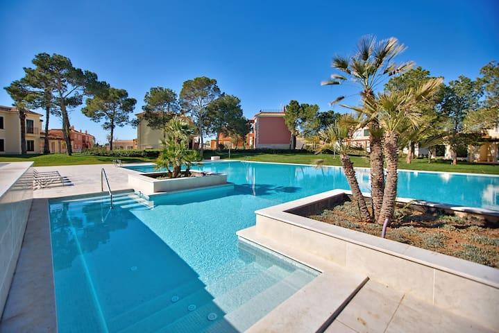 Apartamento 2 dormitorios y piscina comunitaria - Campos - Appartement